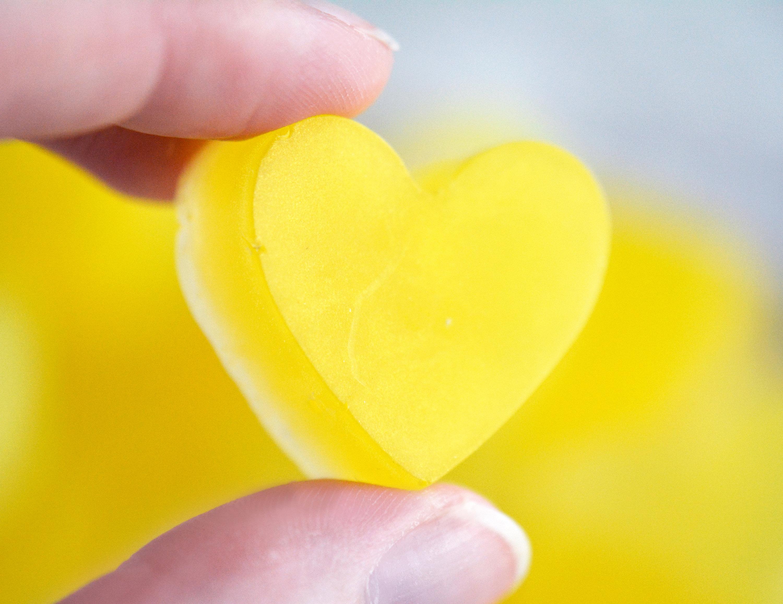 желтое сердце картинка экране видите сообщение
